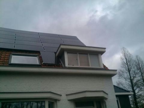 22 zonnepanelen gelegd voor Bouwbedrijf Nobel Bodegraven